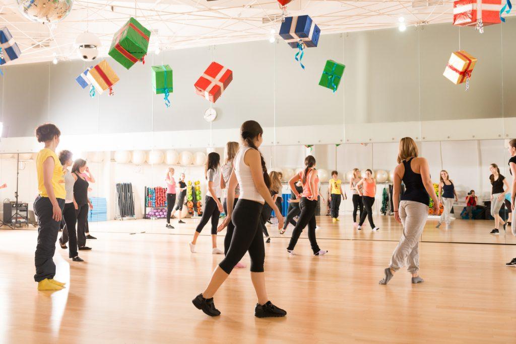 Инструктор по танцам